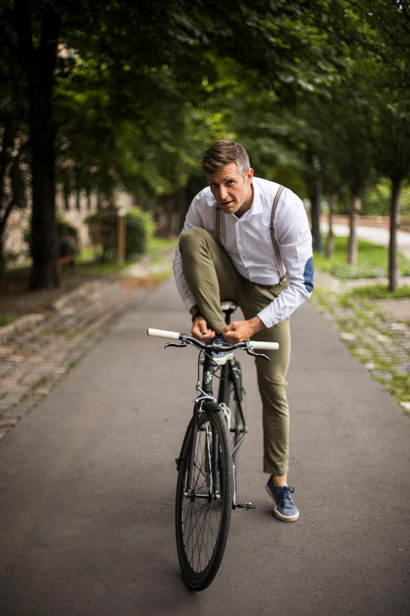 Magyar Bálint - Kerékpárral